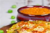 how to make matar besan paneer cheela with tomato chutney