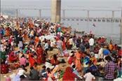 kumbh mela 2019 before mahashivaratri devotees crowd on sangam