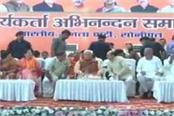 ca khattar who arrived to congratulate the workers