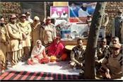 dera sacha sauda forces come forward to marry poor widow s daughter
