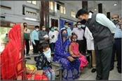 union health minister visits rml hospital interacts with patients and doctors
