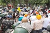 farmers siege of dhankhar reached bjp s training camp