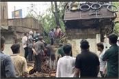 old tree fell due to strong winds in bhopal 2 died