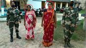 kinnar and broker woman arrested from indo bangladesh border