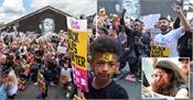 uk  demonstrations in honor of footballer marcus rashford and against racism