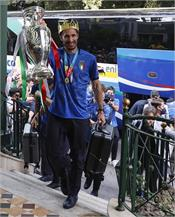 italy team reaches rome with euro 2020 trophy