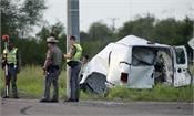 van carrying migrants overturns in texas 10 killed
