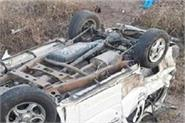 tire bursts upside down in queue car injures 5