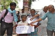 orphan child begging