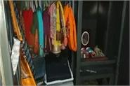 thieves made 4 houses targeted lakhs of rupees and jewelry made clean
