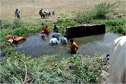 telangana 15 people died in tractor trolley canal