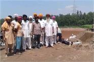 farmers upset due to incomplete bridge work on ravi dariya