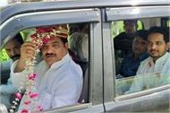 sp leader reached rampur by becoming groom