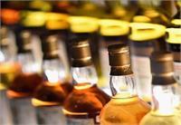 UP पंचायत इलेक्शनःमतदाताओं को शराब बांटते पकड़े गए तोप्रत्याशी पर दर्ज होगा केस