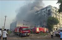 सूरत की पैकेजिंग यूनिट में लगी आग, 2 लोगों की मौत...रेस्क्यू कर 125 मजदूरों को बचाया गया