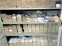 अलमारी में 142 करोड़ रुपए देख इनकम टैक्स अफसरों के भी उड़े होश