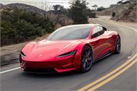 नई Tesla Roadster के लिए करना पड़ेगा इंतज़ार, 2023 में होगी लॉन्च