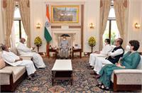 लखीमपुर हिंसा को लेकर राष्ट्रपति से मिला कांग्रेस प्रतिनिधिमंडल, राहुल बोले- अगर पिता मंत्री है तो निष्पक्ष जांच कैसे होगी