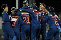 पूर्व कोच का महिला टीम को संदेश : बिना किसी हिचकिचाहट के बल्लेबाजी करो