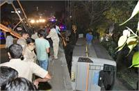 गाजियाबाद में फ्लाईओवर से बस गिरी, 1 की मौत, कई घायल