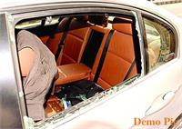 कार का शीशा तोड़कर लैपटॉप किया चोरी