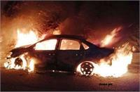 दर्दनाक हादसा: कार के अंदर जिंदा जला नाबालिग, पेड़ से टकराने के बाद गाड़ी में लगी थी आग