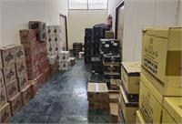 शराब तस्करों पर हो रही लगातार छापेमारी, अलग-अलग स्थानों से भारी मात्रा में अवैध शराब बरामद