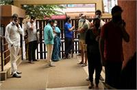 कर्नाटक: कोरोना से 12 पत्रकार कोरोना संक्रमित, बेलगावी उपचुनाव मतगणना की करने आए थे कवरेज