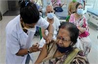 कोरोना संकट के बीच दिल्ली में टीकाकरण अभियान तेज, अब तक 67000 से अधिक लोगों को दी गई वैक्सीन