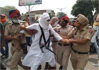 मिनी Lockdown का विरोध: पुलिस ने प्रदर्शन कर रहे कई दुकानदारों को हिरासत में लिया