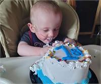 दुनिया का सबसे Premature Baby, हर मुश्किल पार कर मनाया पहला बर्थ-डे