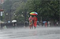 UP में तेज हवाओं के साथ होगी झमाझम बारिश, मौसम विभाग ने जारी किया Alert