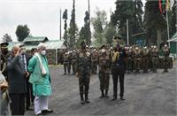 राष्ट्रपति ने जम्मू-कश्मीर में एकीकृत मुख्यालय के सदस्यों से चर्चा की, सुरक्षा स्थिति की जानकारी ली