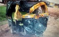 सोनभद्र में भीषण सड़क हादसा: स्कोडा कार और ऑटो की सीधी टक्कर में 4 की मौत, 2 गंभीर रूप से घायल