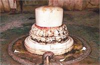 जालौन: 1400 साल पुराने शिव मंदिर में हर साल चावल भर बढ़ जाता है शिवलिंग
