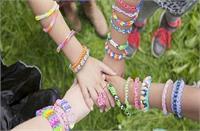 Friendship Day पर अपने दोस्तों को भेजें ये शानदार शायरियां और मैसेज
