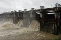 भारी बारिश के कारण लबालब हुआ सागर बांध, खतरे को देखते हुए तीसरा गेट भी खोला