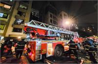 मुंबईः नूतन विला बिल्डिंग में लगी भीषण आग,  एक महिला की मौत