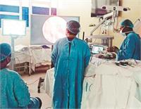 पी.जी.आई. न्यूरो सर्जरी डिपार्टमैंट ने दो मरीजों की रेयर सर्जरी की