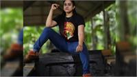 मलयालम टीवी एक्ट्रेस निमिषा गिरफ्तार, धार्मिक नाव में चप्पल पहनकर तस्वीर खिंचावना पड़ा भारी