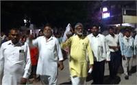 आधी रात को मुर्दाबाद के नारों से गूंजा लघु सचिवालय, पुलिस ने प्रदर्शनकारियों को खदेड़ा