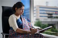 Beauty With Brain: तेलंगाना की पहली IAS स्मिता, दूसरी बार में हासिल किया 4th रैंक