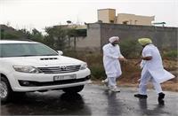 पंजाब के वित्त मंत्री मनप्रीत बादल घूम रहे इस बैन नंबर वाली कार में, तस्वीरें वायरल