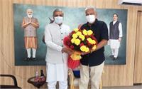 जेपी दलाल ने नई दिल्ली में केन्द्रीय पशुपालन एवं डेयरी मंत्री पुरूषोत्तम रूपाला से की मुलाकात