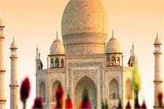 these two days can be free for the taj mahal know the reason
