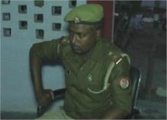 polls open promptness of police inspector hand turn onto the thiefs pistol