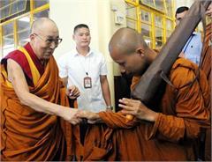 buddhist monk laddakh hiking