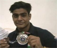 Trap shooting rifle Lakshya Sheoran Silver Medal Junior World Cup