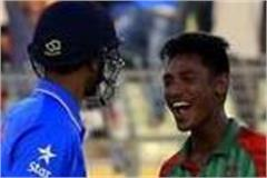 5 bowlers which outstanding performance during odi debut match