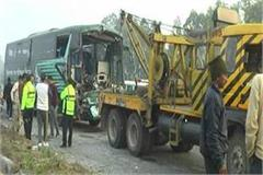 volvo bus going from manali to delhi collides with truck